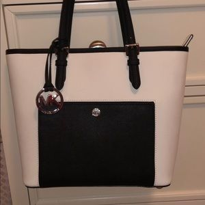 Michael Kors Medium Tote